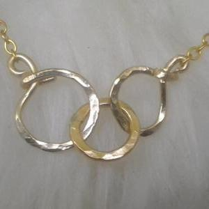 Triple Eternity circle pendant, nec..